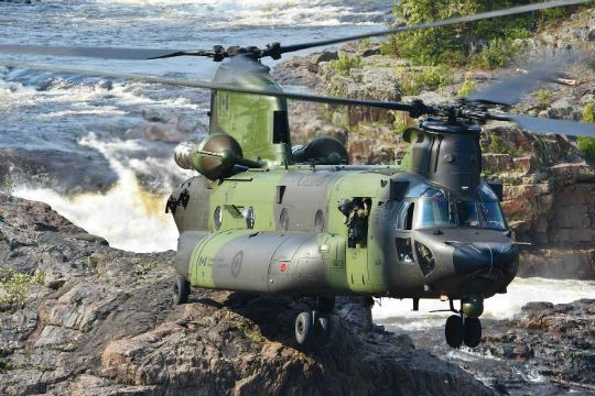 Royal Canadian Air Force's new CH-147F delivers the goods | Vertical Magazine - The Pulse of the Helicopter Industry
