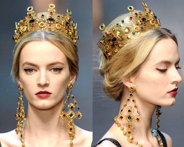 Dolce & Gabbana, My Secret Garden, Victorian Jewelry, Crown Jewels, Women Jewelry, Ladies Jewelry, Fashion Handbags, Hairstyle, My Style