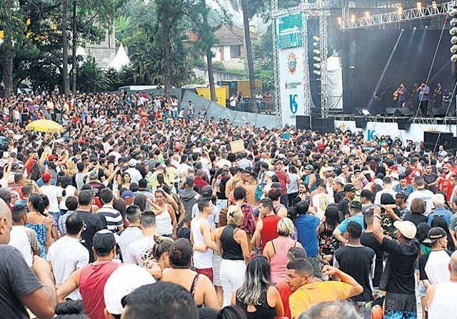 Festival de Verão reúne 16 mil no encerramento!  Dupla César Menotti e Fabiano fechou o evento que foi elogiado pelos frequentadores.  Somente no último fim de semana 26 mil pessoas participaram das apresentações musicais.  #FestivalDeVerão #FestivalDeVerãodoRiachoGrande #RepresaBillings #dgabc #noticia #noticias #grandeabc #sãobernardo #sbc #comércio #cultura #lazer #arte #musica #calor #verão #som #CésarMenottieFabiano @cmf_oficial