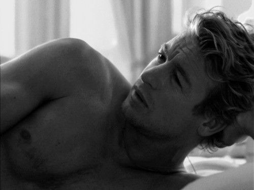New handsome boy... the Aussie Simon Baker...srsly!?? *sigh*