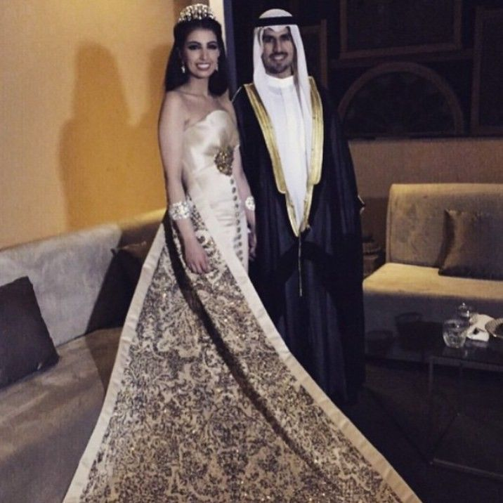 879a34384 10 Most Beautiful Arab Weddings of All Time | Weddings | Arab wedding, Wedding  dresses, Wedding
