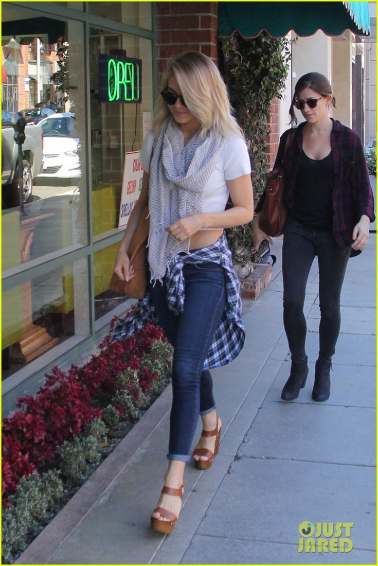 Julianne Hough Treats Mom Mari Anne To Manis & Pedis