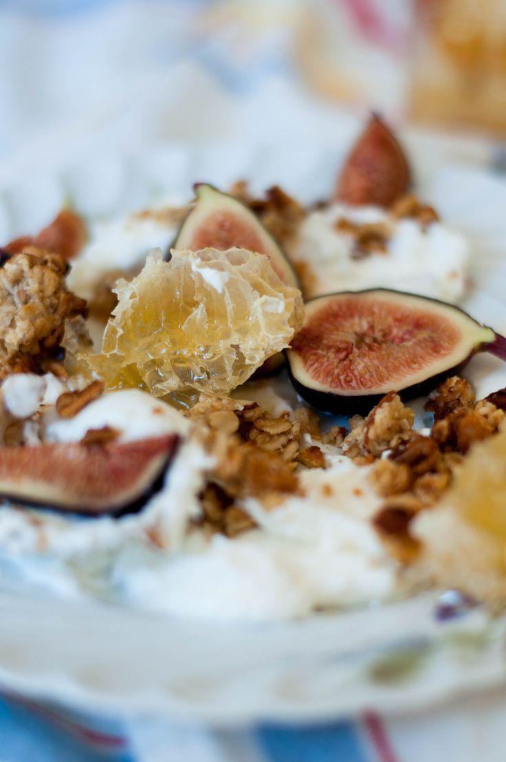 Tahini & Honey Granola with Fresh Fig Greek Yogurt - The Scratch Artist - #fresh #granola #greek #honey #scratch