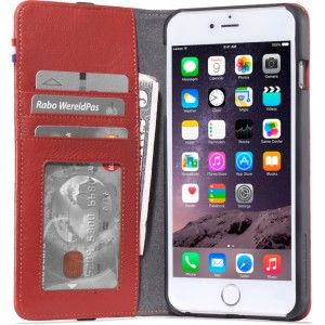 Gezien op Beslist.nl: IPhone hoesje Decoded iPhone 6/6S Plus Leather Wallet Case Red