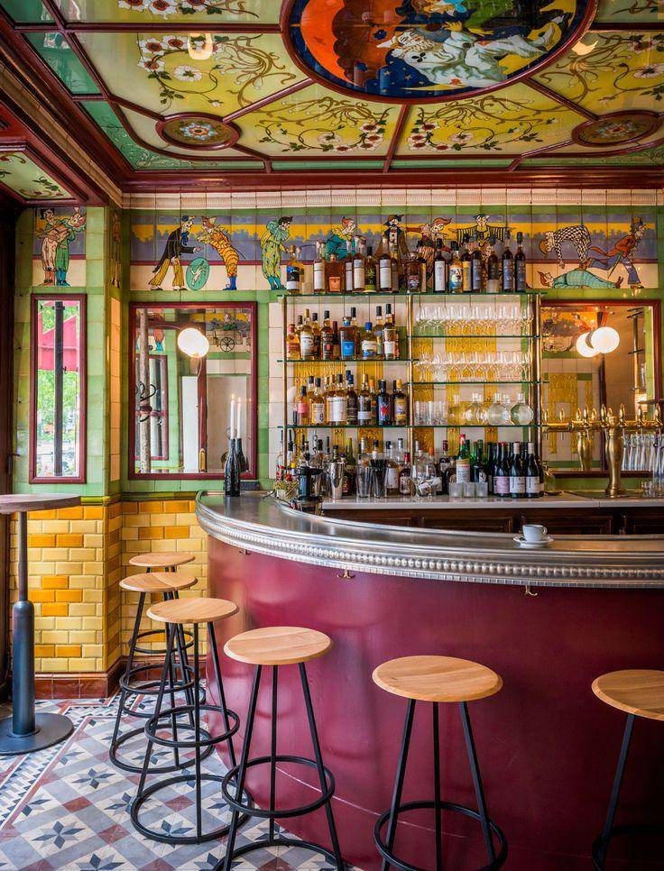 Restaurant Clown Bar 19 best Cafe