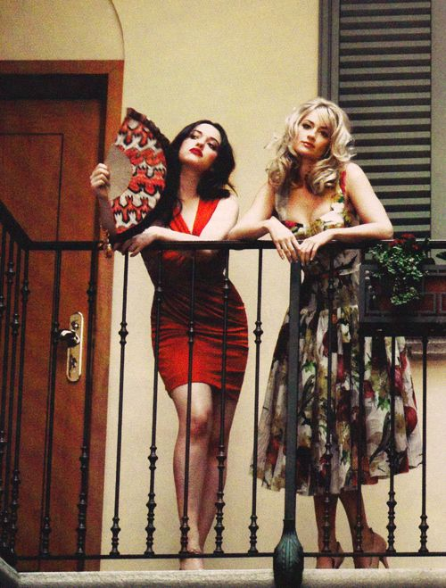 2 Broke Girls: Kat Dennings & Beth Behrs <3 <3 <3 BOTH dresses.