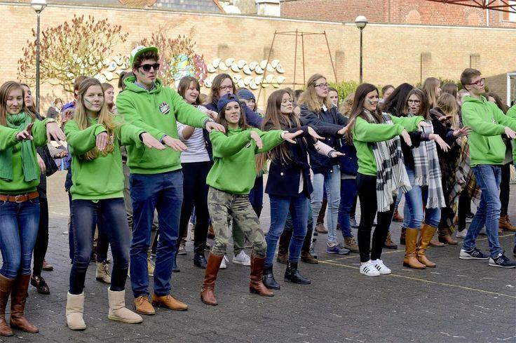 De middelbare scholen in Roeselare organiseerden een dag van de leerlingenraad en daagden leerkrachten en directie uit verschillende opdrachten tot een goed einde te brengen.
