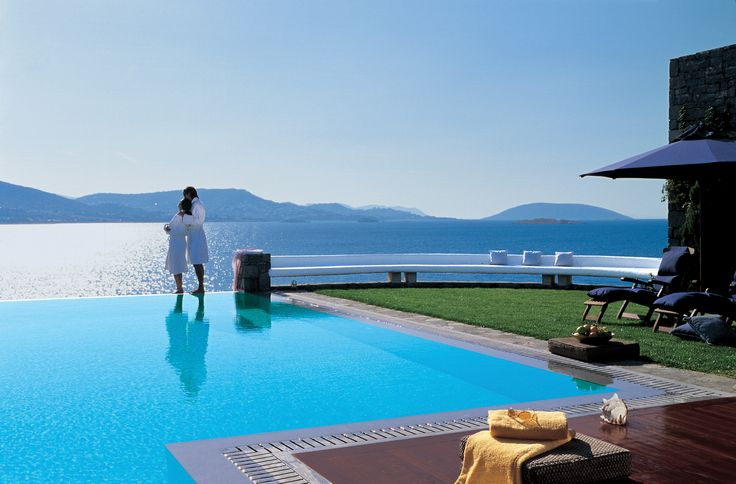 Exclusive Club: Executive Suite with Private Pool