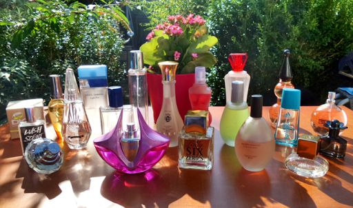 Mandy's nail, shop & DIY blog: Parfum, VS body mist en deo stashes.