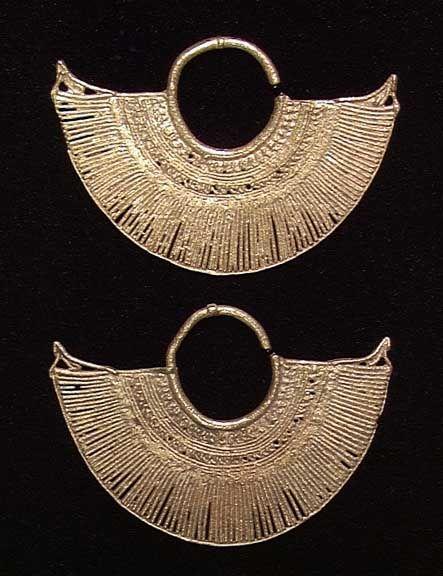 PAIR OF SINU GOLD EARRINGS, ca. 500 AD