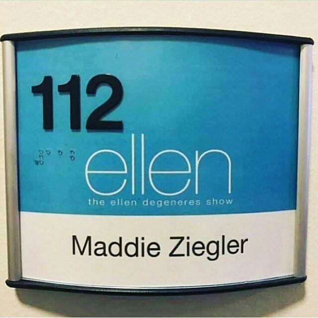 17 best ideas about the ellen show on pinterest ellen degeneres show tickets for ellen and. Black Bedroom Furniture Sets. Home Design Ideas