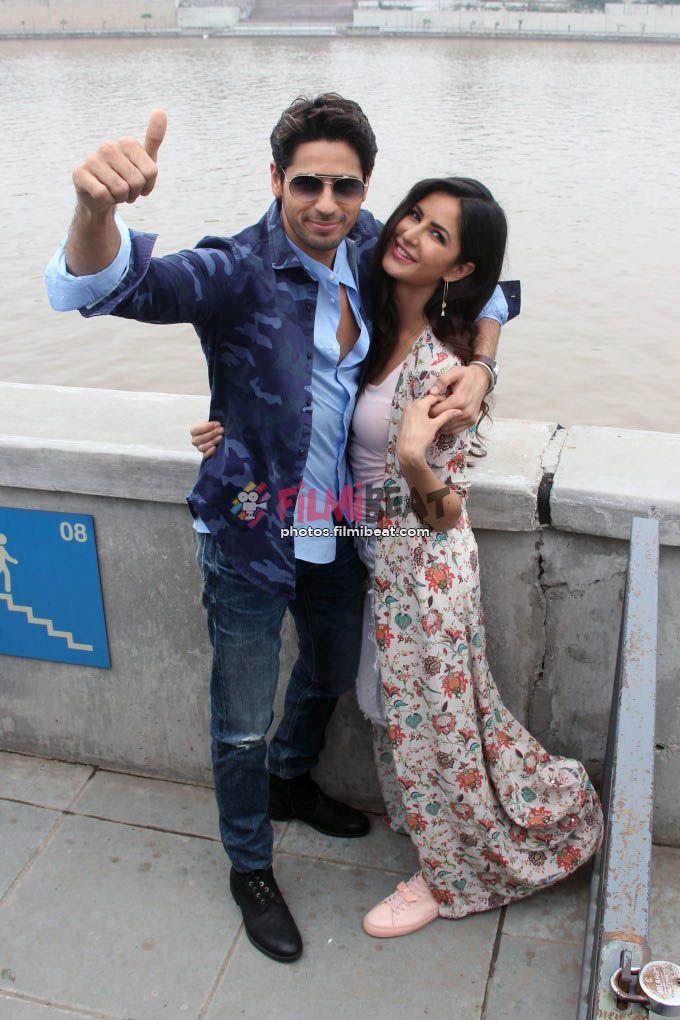 Katrina Kaif & Sidharth Malhotra Promote Baar Baar Dekho At Sabarmati River