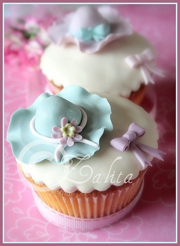 summer hats cupcakes