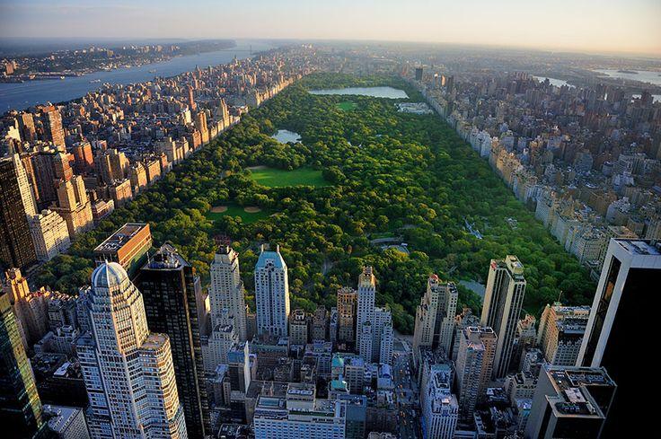 ニューヨーク・マンハッタンの中央に位置するセントラルパーク。映画などで見かけた人も多いのでは。実は楽しめるスポットもたくさんあり、ニューヨークではぜひ立ち寄ってみてほしい場所のひとつなのです。あこがれのセントラルパーク、その楽しみ方をご紹介します。  アメリカ アイディア・マガジン「wondertrip」