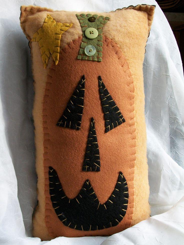 Primitive Pumpkin Face Pillow.