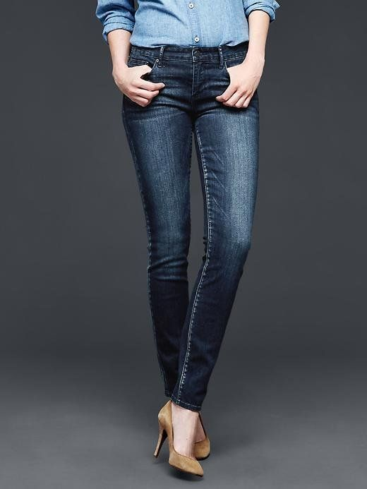 The 6 Best Brands For Petite Jeans