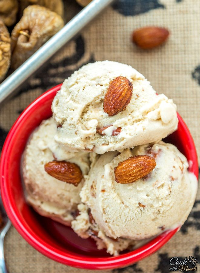 Fig Ice Cream with homemade honey roasted almonds. Find the recipe on www.cookwithmanali.com