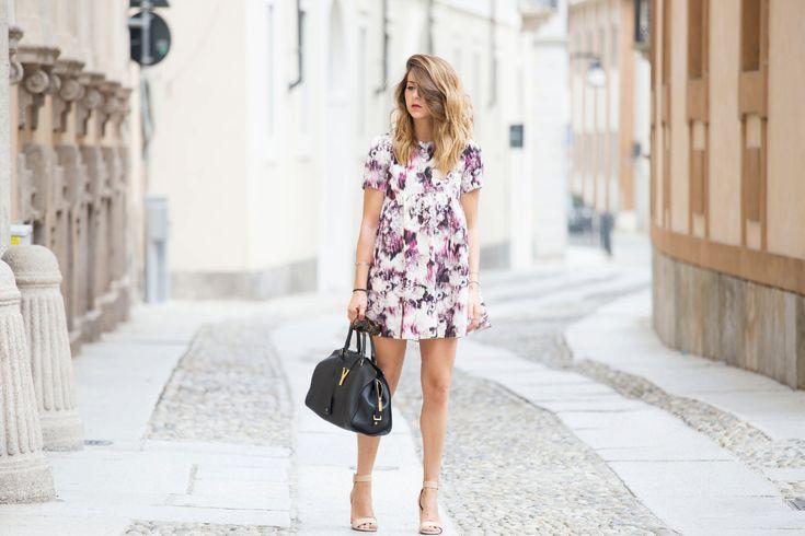 "Outfit romantico dal ""profumo"" floreale"