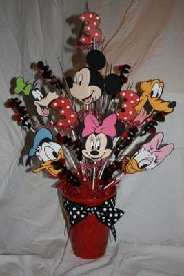 <3 my cricut!! mickey and friends center pieces