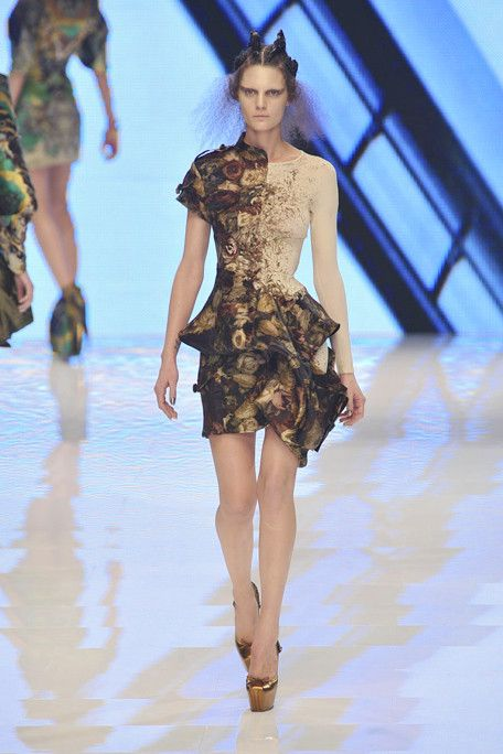 Love decaying flowers. Interesting cut. Alexander McQueen S2010 RTW