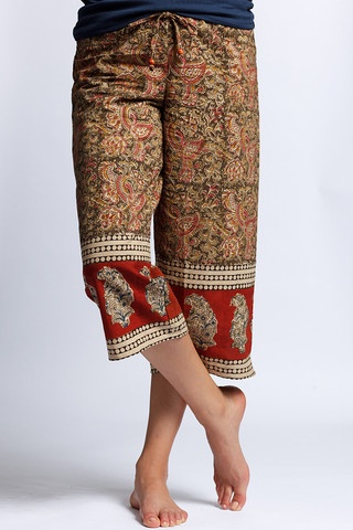 SUMA Capri - Kalamkari Limited Edition PUNJAMMIES. Wide-legged, super comfortable. Matching drawstring with chic wood beads at elasticized waistband. HANDMADE FOR WOMEN BY WOMEN WITH HOPE FROM INDIA.