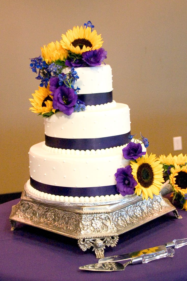 pearls and dots purple ribbon cake use yellow sunflowers and purple roses