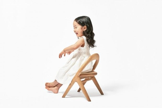 Kimi no Isu Project, chaise pour enfant pour la ville d'Asahikawa par Mikiya Kobayashi - Journal du Design