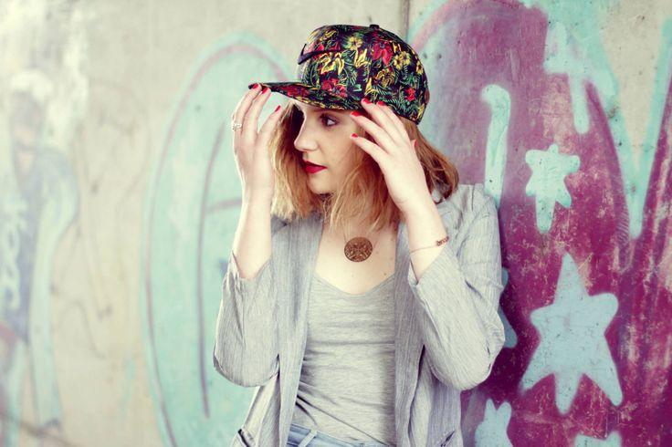 http://betises-de-style.blogspot.de/ et sa casquette trouvée sur Defshop