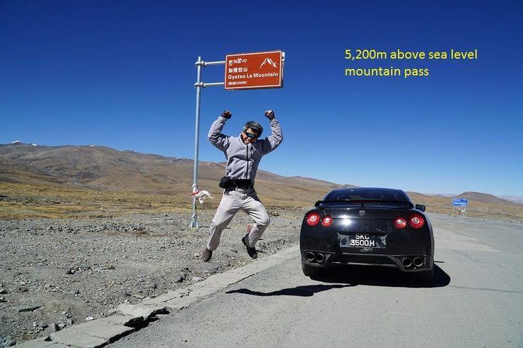 Nissan GT-R dibawa menuju ketinggian 5.380 mdpl, lokasi base camp Gunung Everest.