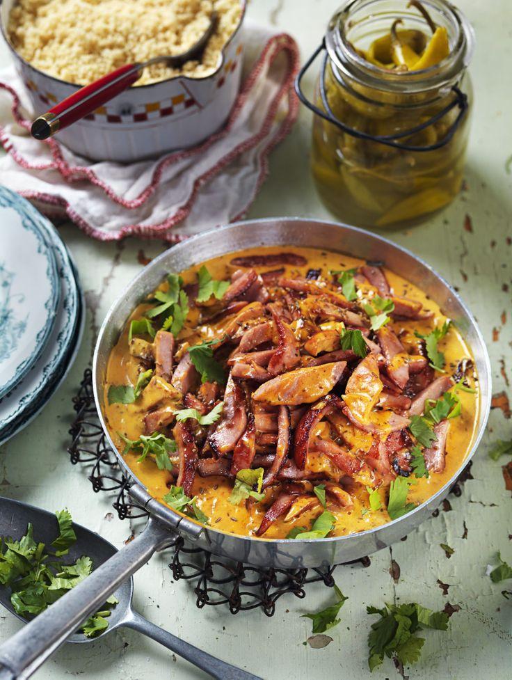 """Maud Lindblå, kokboksförfattare """"Jag lagar gärna Korvstroganoff med nordafrikansk kryddning, dvs curry, spiskummin, chilisås – sådan som ser ut som ketchup, men är kryddigare – och..."""