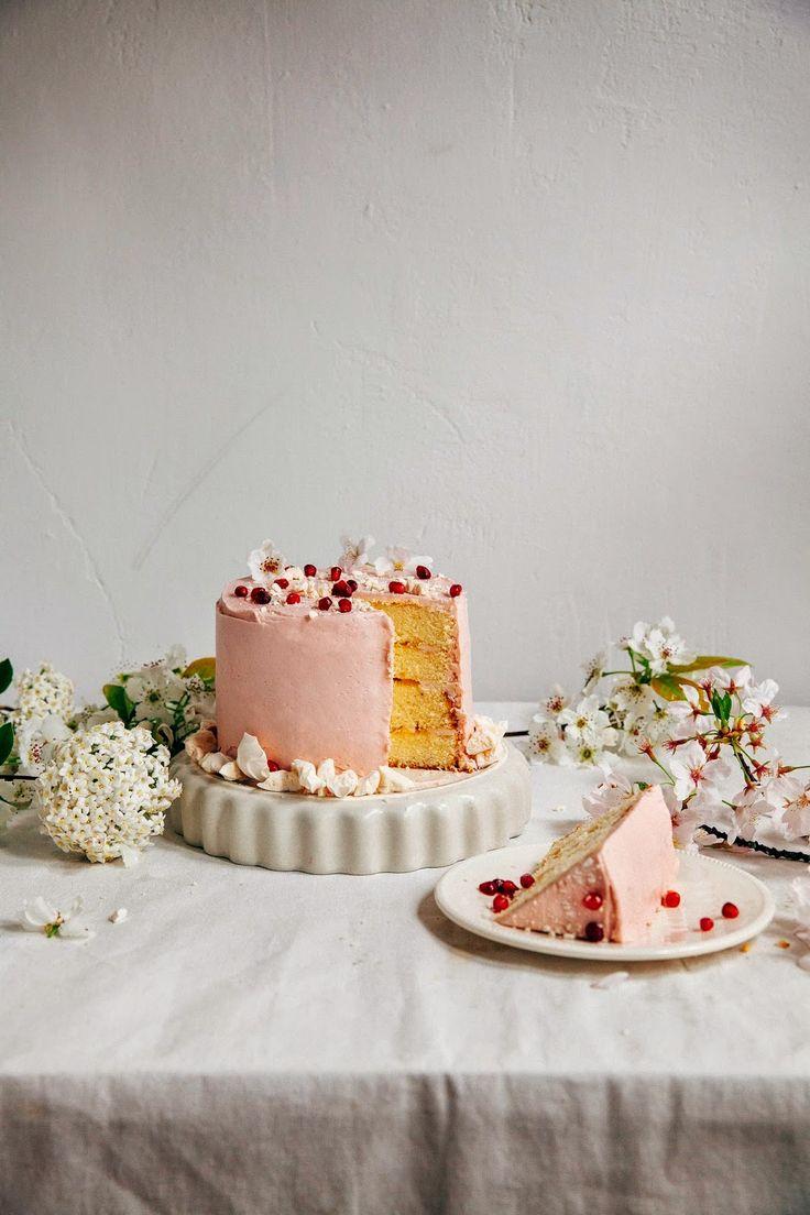 ... pomegranate citrus meringue cake ...