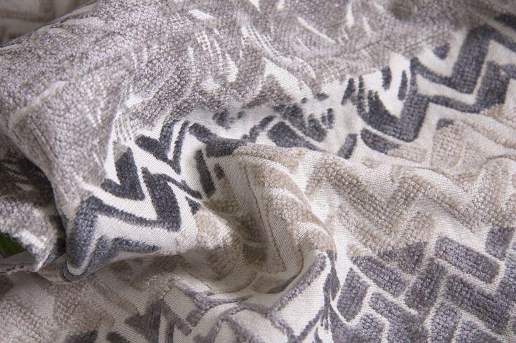 SHINE L1395 02 Склад:58% PL, 36% AC, 6% VI ширина – 138/140 см вага – 660 г/м² #interiorfabrics #джакард #тканинадлямеблів #тканидлямебели