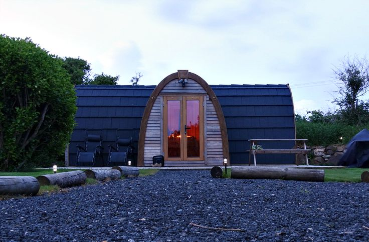 I was looking for a cottage in south west Cornwall for a perfect city escape when I heard about The Hideaway glamping pod. Glamping pods are quite popular accommodation nowadays but they can also b...