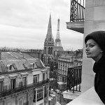 Ikonikus képek érkeztek egy kiállítás keretében Budapestre, intim bepillantás gyanánt a párizsi nő életébe, mely a világ egyik legelragadóbb közössége.