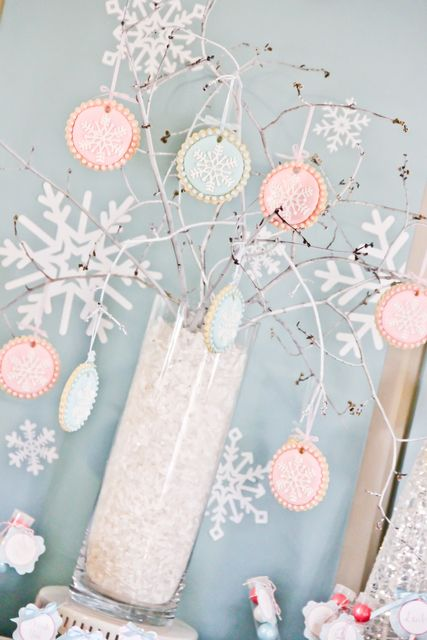 Snowflake cookie tree at a Winter Wonderland Party #winter #partydecor