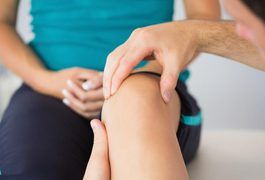 Water on the knee, also called knee effusion, can be a symptom of several different conditions, including infection, injury or gout, tumor or osteoarthritis of the knee joint. The knee is a complex joint and it is possible to injure one of the bones, muscles, tendons or ligaments in the joint, causing swelling, stiffness and pain. The fluid in the...