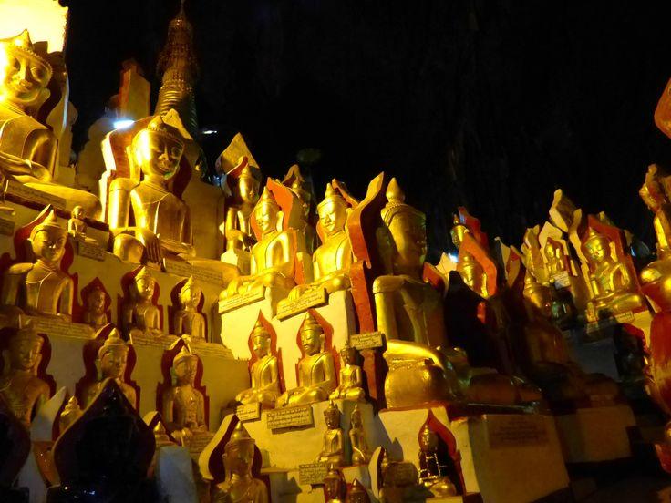 statuettes d'or a pindaya en birmanie #voyage #asie #asieland #birmanie#pindaya