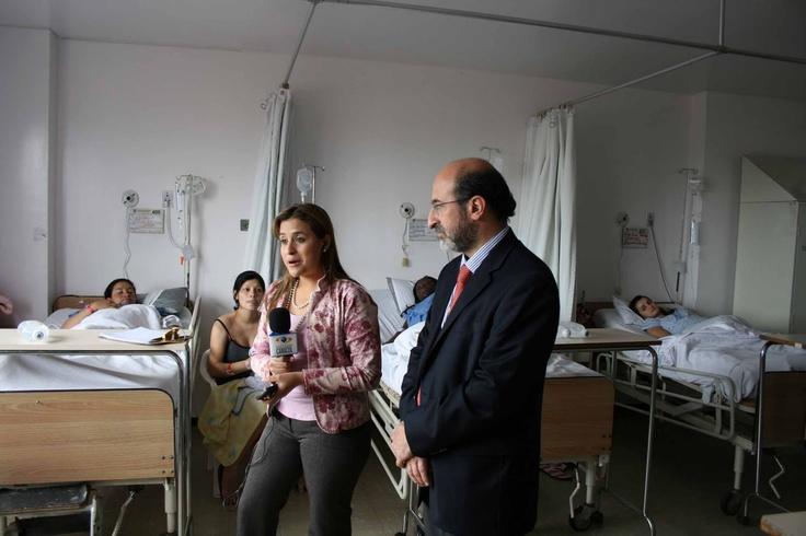 El Dr. Juan Lozano compartió la Ley de ampliación de la licencia de maternidad con las mamitas del Hospital Simón Bolívar.