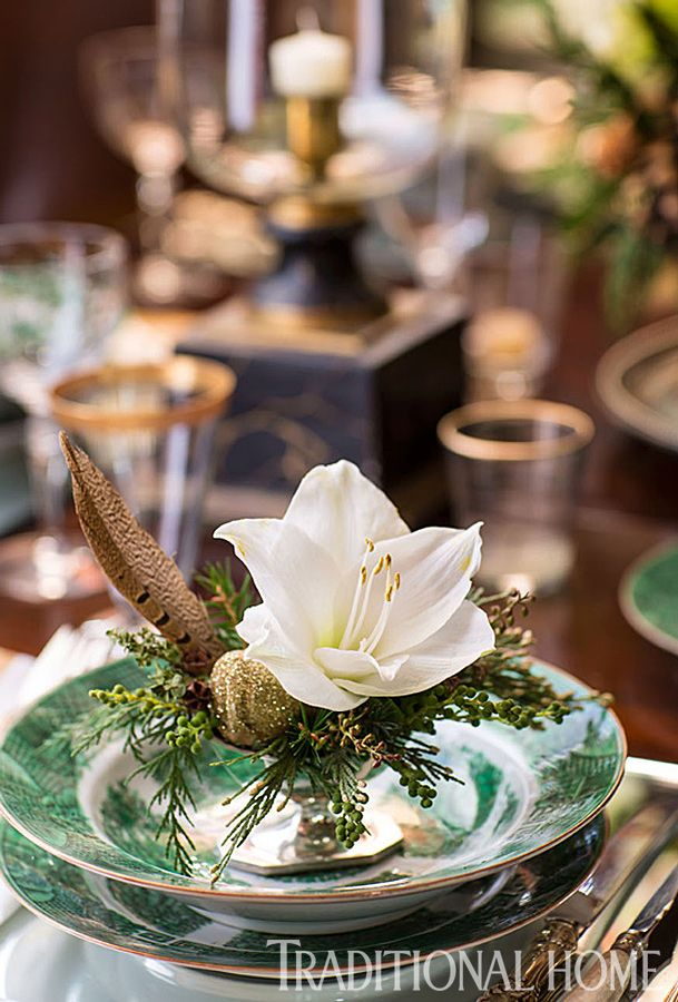 499 best images about beautiful table settings on for Traditional christmas table settings