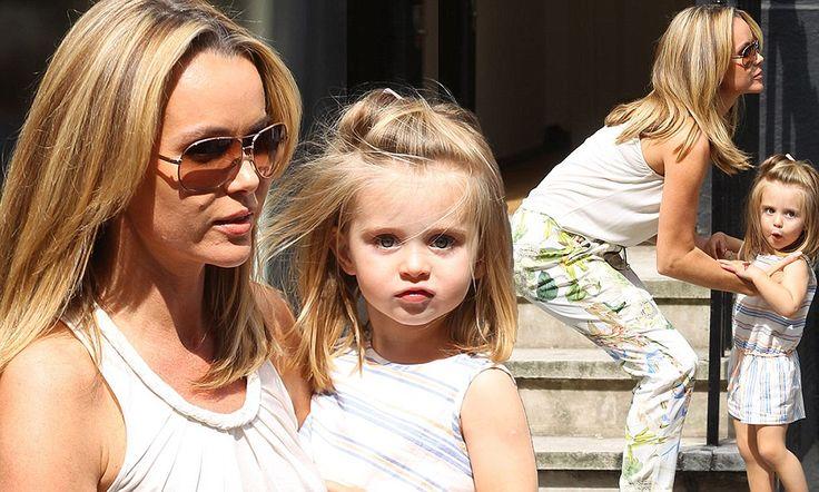 Britain's Got Talent judge Amanda Holden shops with daughter Hollie #DailyMail