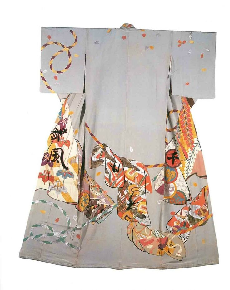 Ichimaru's Homongi with Fans. Paste-resist dyeing, gold leaf stenciling, small touches of gold embroidery, silk crepe Image courtesy of the Art Gallery of Greater Victoria