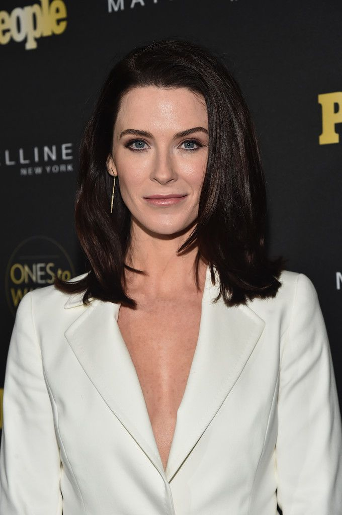 """Bridget Regan Photos Photos - Actress Bridget Regan attends  People's """"Ones to Watch"""" event presented by Maybelline New York at E.P. & L.P. on October 13, 2016 in Hollywood, California. - People's 'Ones to Watch' Event Presented by Maybelline New York - Red Carpet"""