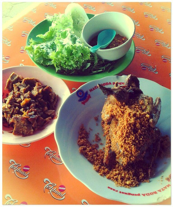 Ayam Goreng Kremes Cak Koting Lempuyangan