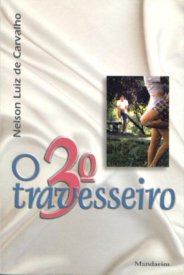 Arquivo Livro O Terceiro Travesseiro.rtf enviado por @k@c!0. Sobre: Dois adolescentes, Marcus e Renato, que estudam na mesma escola, jogam futebol, são muito amigos e de...