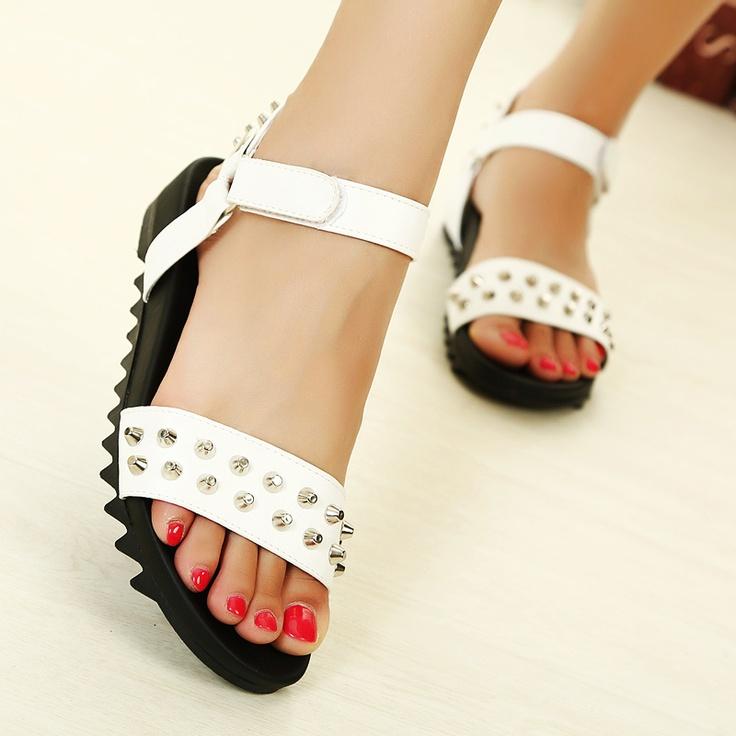 Women Fashion Metal Rivet Flat Lady Toe Flat Heel Sandals Female Beach Sandals newest sale online oFeCo