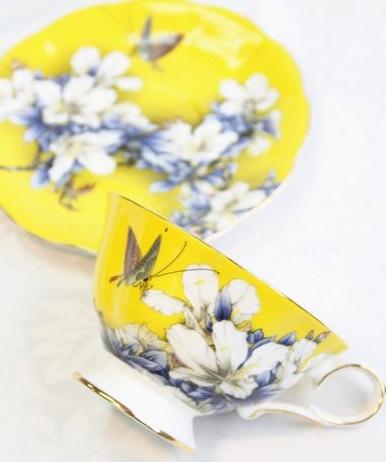 Spring comes tea set
