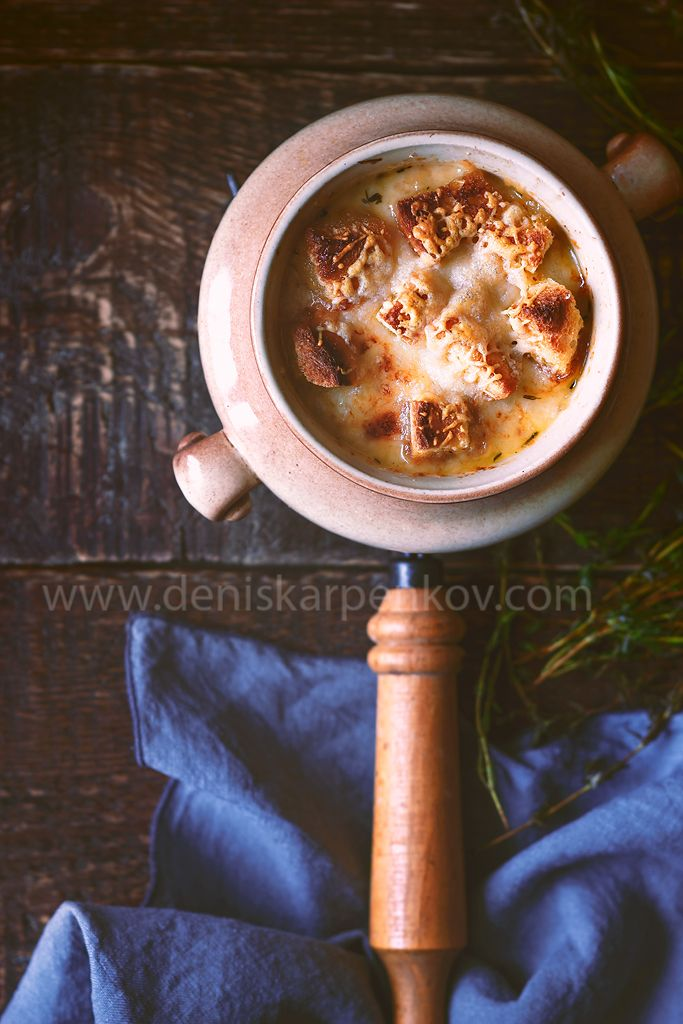 #Onion #soup in a #pot on the #Shutterstock: https://www.shutterstock.com/ru/pic-517916509/stock-photo-ceramic-pot-with-onion-soup-on-the-wooden-table.html?src=XNOP9riqiXW2oJXgFeLD9A-1-14