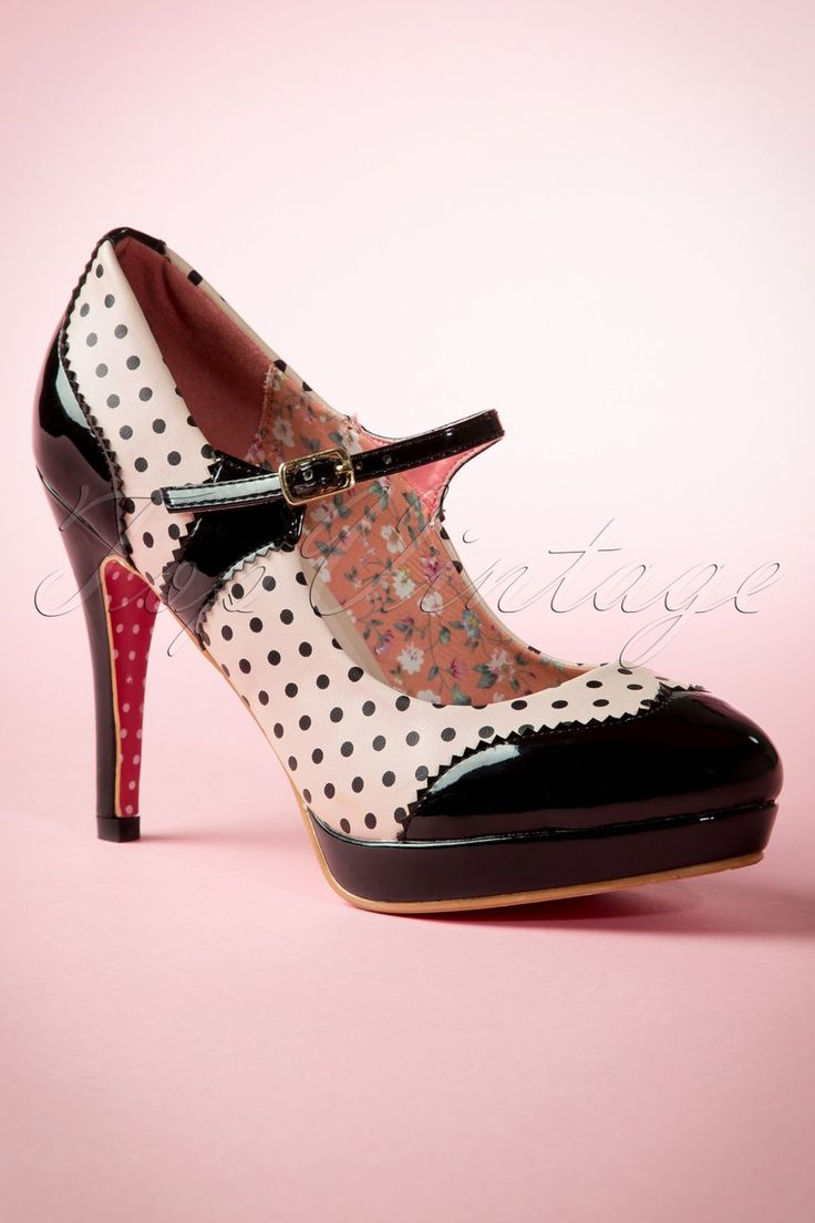 Also loving pastel colours? In that case you're good to go with these50s Mary Jane Pumps in Black and Nudeby Banned!  The definition of cute? These pumps! Synonym? Classy! But seriously, love is... these beauties! Made from black lacquer with jagged edges, nude coloured faux leather with adorable polkadots, an adjustable ankle strap and a platform that makes them lower than they seem to be. If you're not in love just yet, you'll be head over heels once you see the insole bec...