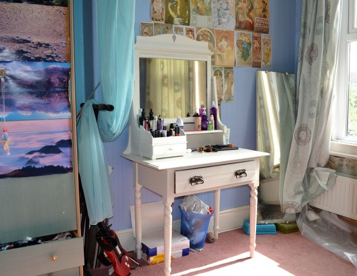 15 best coiffeuse images on pinterest hairdresser dressing tables 10 gorgeous diy dressing table ideas solutioingenieria Gallery
