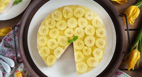 sernik na zimno, sernik na zimno na jogurtach, jogurtowy sernik na zimno, desernik jogurtowy, desernik na jogurcie, sernik bananowy, sernik z bananami, bananowiec, ciasto z bananami, ciasto z galaretką, sernik z galaretką, dietetyczny sernik, dietetyczne ciasto, fit sernik, fit ciasto, fit deser, dietetyczny deser, banany, galaretka, kremówka, jogurty greckie, kraina miodem płynąca
